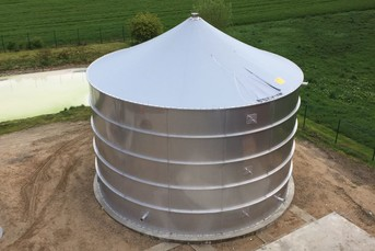 Stainless Steel Tank with Stainless Steel Floor