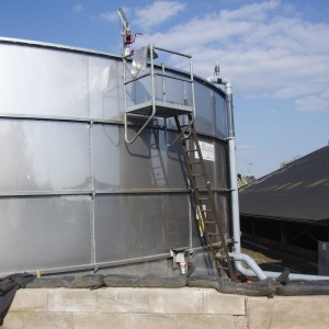 Stallkamp stainless steel tank with working platform