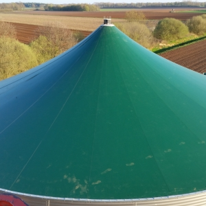 Stallkamp roof for liquid manure storage