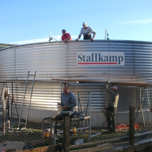 Stallkamp installation adding hight concrete tank (1)